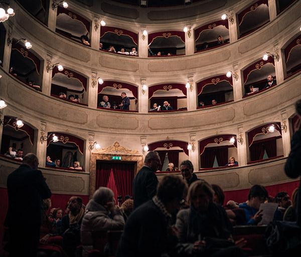 Compagnia_Sartoria_Teatrale_Spettacolo_Ciccioni_08